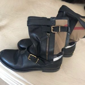 Used Burberry boots